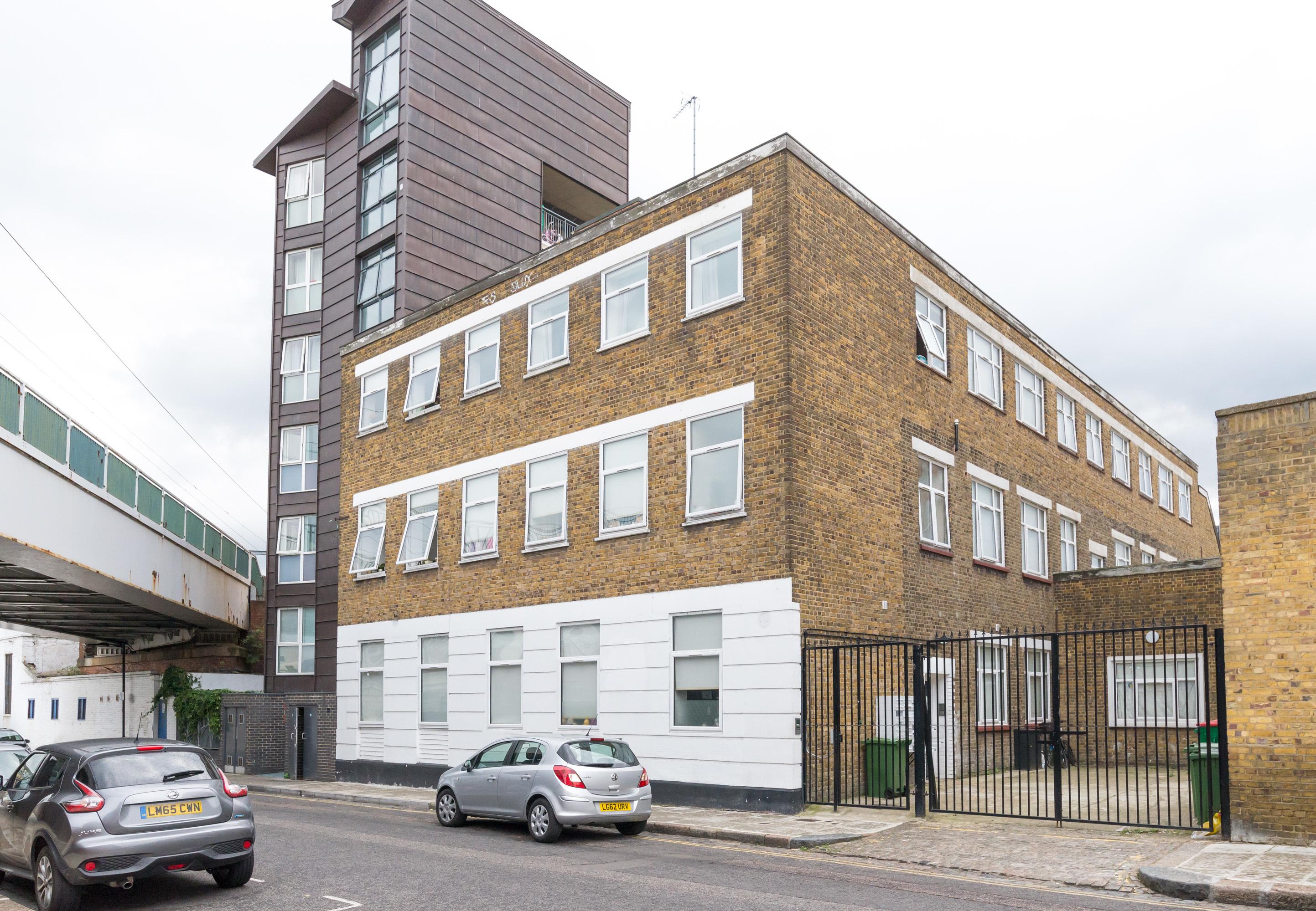Flat 23  8 9  spring place  london nw5 3er. 9hww