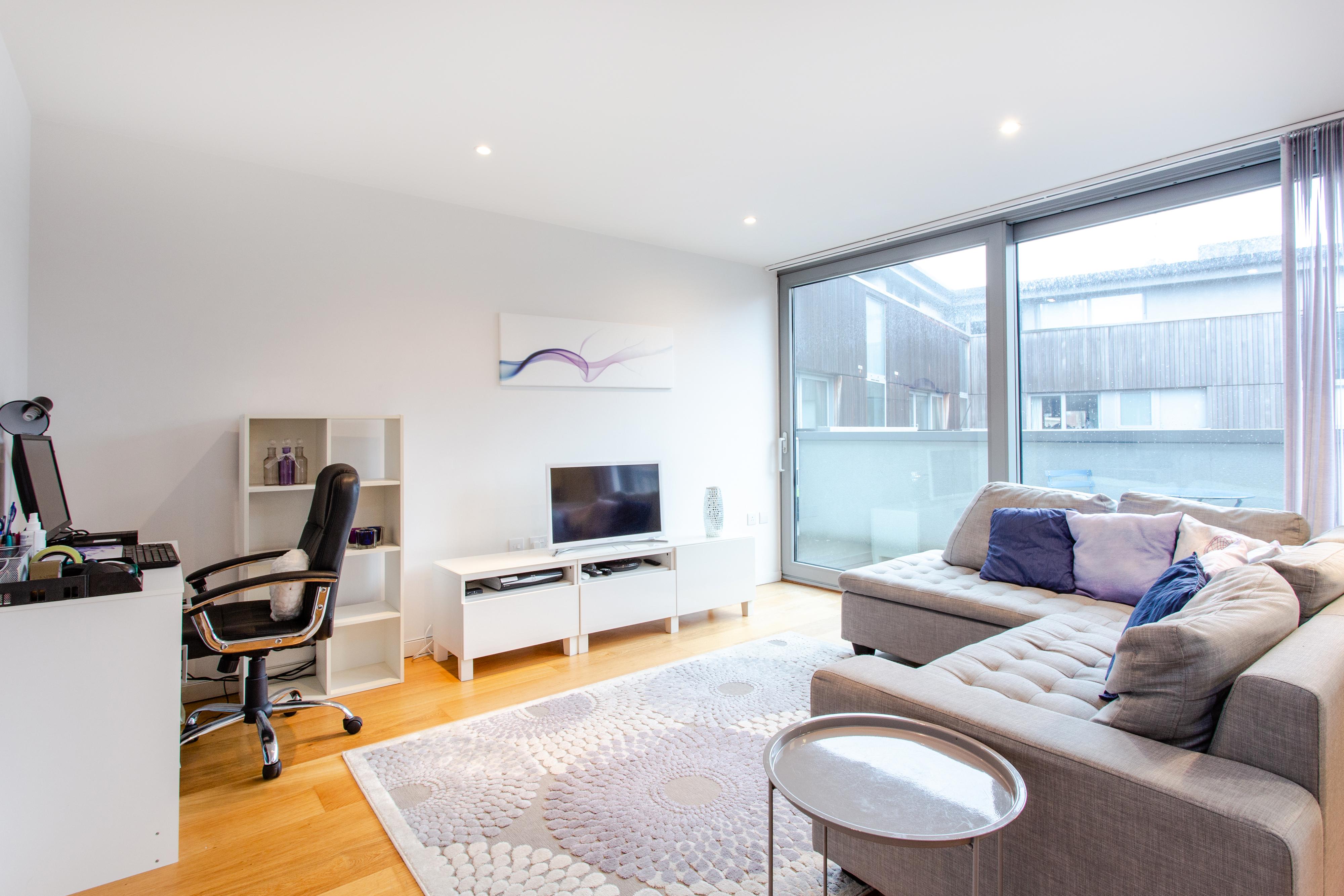 041220197 rent apartment 16 block c 30 hornsey road n7 7at 004